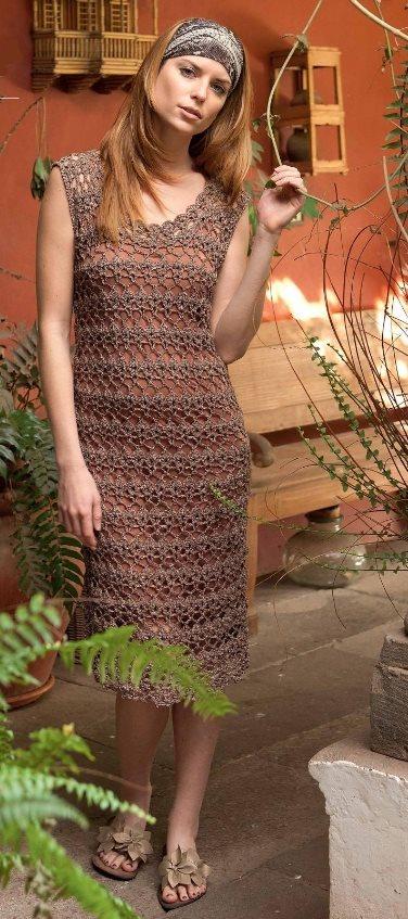 Вязаное ажурное платье крючком
