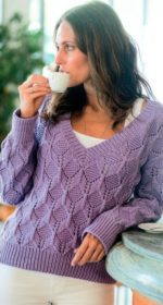 dzhemper s v obraznym vyrezom spicami 150x280 - Вязаный пуловер с v образным вырезом спицами