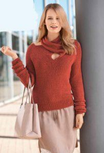 Вязаный необычный пуловер спицами