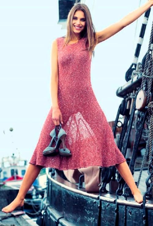 Ажурное летнее платье связанное спицами