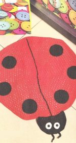 kovrik bozhja korovka krjuchkom 150x280 - Вязаные коврики крючком со схемами простые и красивые