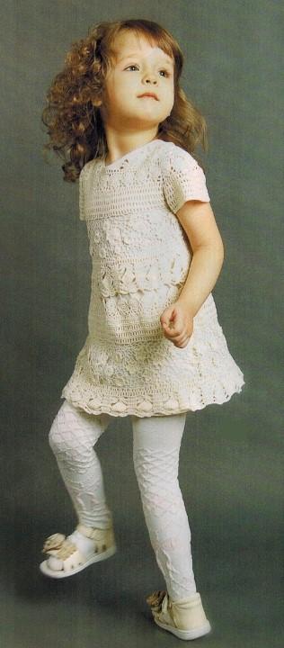 Вязаное платье крючком на девочку 3-4 года