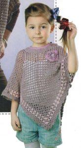 Вязаное пончо крючком для девочки 5-6 лет