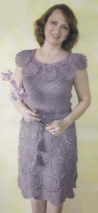 Вязаное сиреневое платье крючком