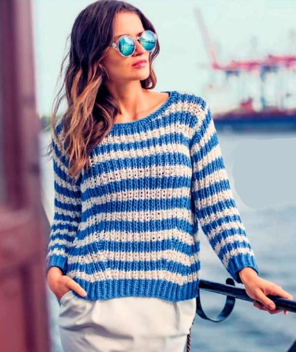 Вязаный полосатый пуловер спицами