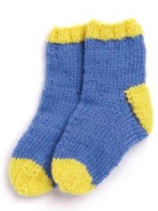 Вяжем носочки для новорожденных