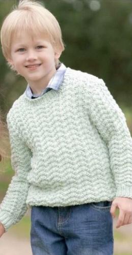 Вязаный пуловер спицами для мальчика а