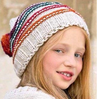Вязаная шапка спицами для девочек