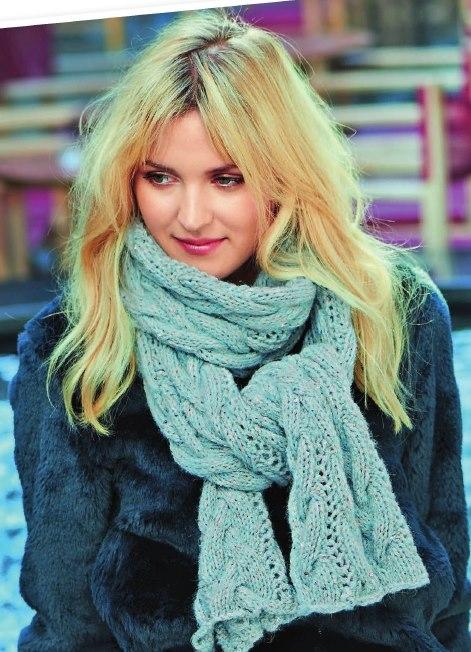 Вязаный шарф с косами спицами