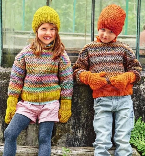 Вязаный детский пуловер жемчужным узором