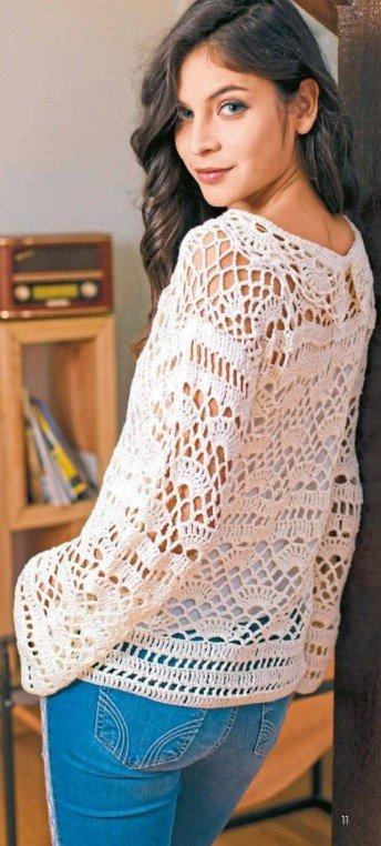Вязаный белый пуловер крючком 1