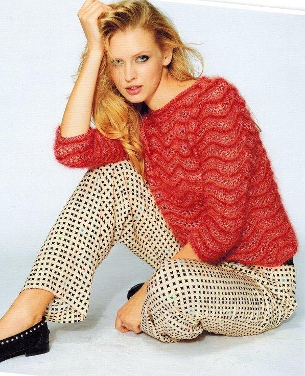 Вязаный пуловер из ангоры спицами