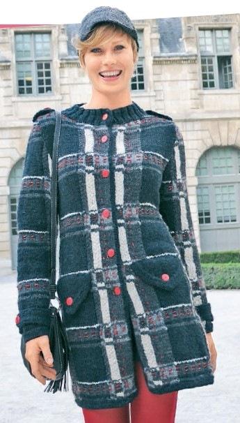 Вязаное короткое пальто спицами для женщин