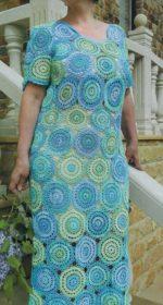 plate iz motivov krjuchkom 150x280 - Вязаное платье из мотивов крючком схемы и описание