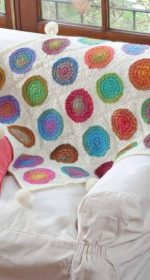 kvadratnyj kovrik krjuchkom 150x280 - Вязаные коврики крючком со схемами простые и красивые