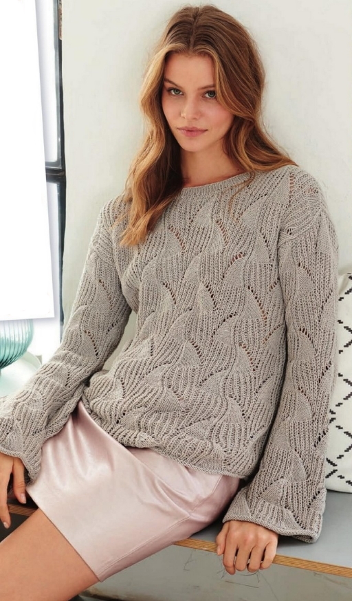 Вязаный свитер спицами женский молодежный
