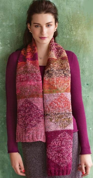 Вязаный шарф жемчужным узором спицами