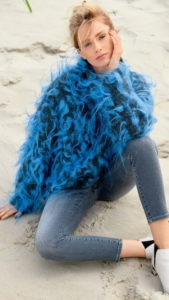 Вязаный свитер оверсайз крючком схема и описание